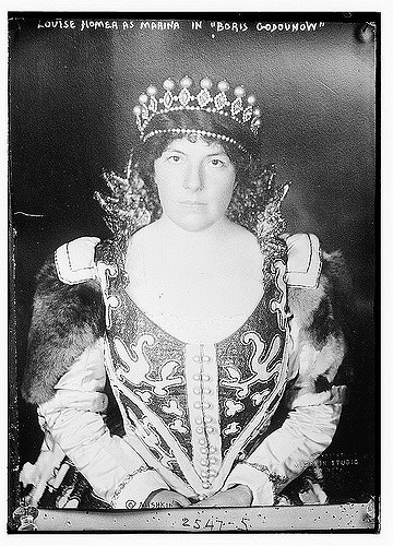 Contralto Louise Homer as Marina